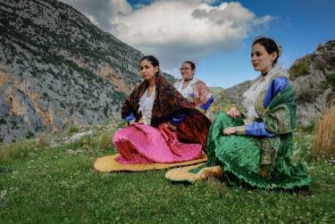 Carla CANTORE | FOLCLORE ALBANESE - Storie di migrazioni