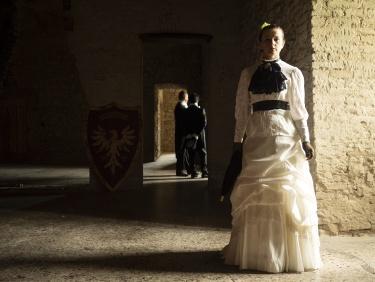 Intrigo al castello. Intrigue at the castle.