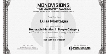 Menzione d'Onore al MonoVisions Photography Awards. Honorable Mention (2021)
